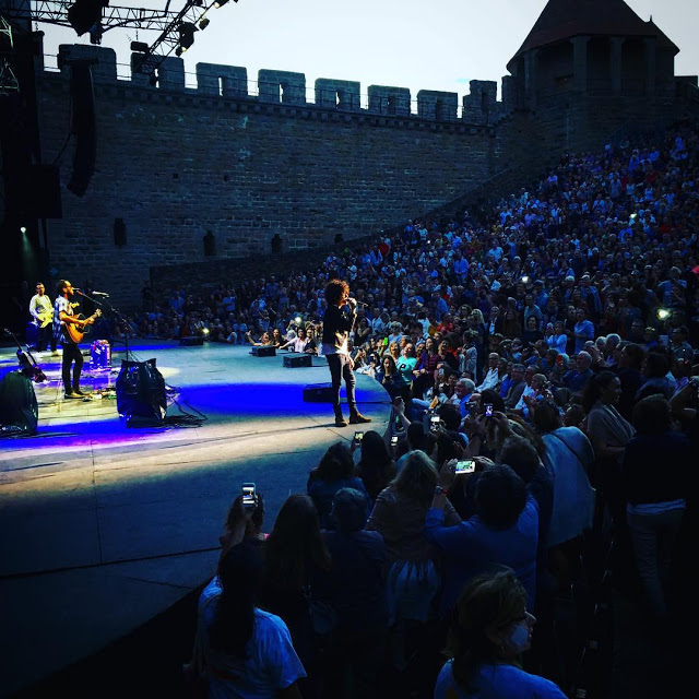 https://www.instagram.com/p/BW5rs48BKnU/?taken-by=festivaldecarcassonne
